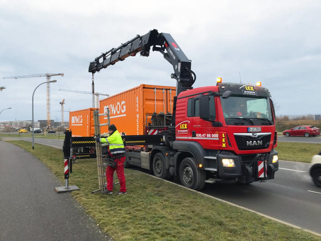 Anlieferung der Container. Credit: BUWOG